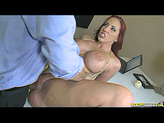 Thick babe Kelly Divine
